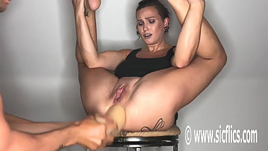 Wrecking her loose ass makes her squirt