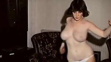 SUPERFREAK - vintage British big bouncy tits dance tease