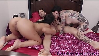 Tatted up slut sucking