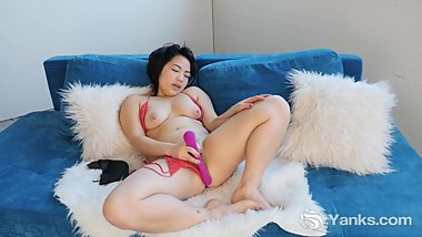 Yanks Asian Hope Gold Fucks Her Toy