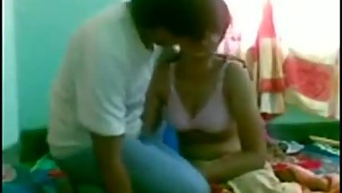 Cute Indian aunty feels love with big dick
