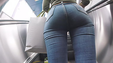 Sexy Ass Jeans Walking