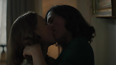 Anna Paquin & Holliday Grainger sex (reduced music)