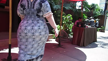 Asian BBW MILF rockin a mega booty under a dress DAMN!