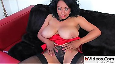 Fat mommy shows her ass and pussy [Free HD Porn: isVideos.Com]