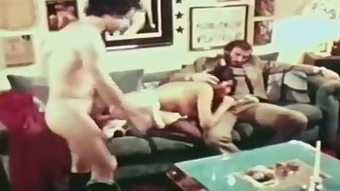 ANAL ULTRA VIXENS IN THE 1970s (HD)