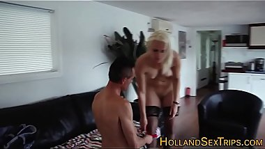 Real hooker gets oral