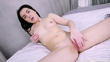 Beauty-Angels.com - Ellie - Solo for a pink dildo