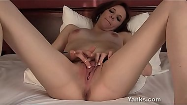 Yanks Vixxxen'_s Striptease