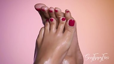 The Most Erotic Sexy Toes Rubbing In Oil