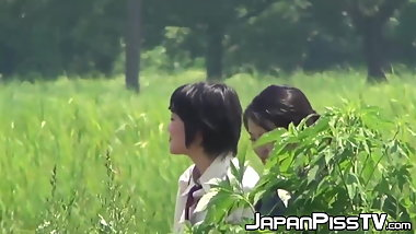 Japanese schoolgirls peeing really hard at lunch break