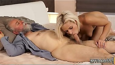 Teen 69 hd Surprise your gf and she will penetrate with your dad