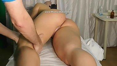 Very Tall Czech Neighbor wife about 1,85 cm coming for Massage