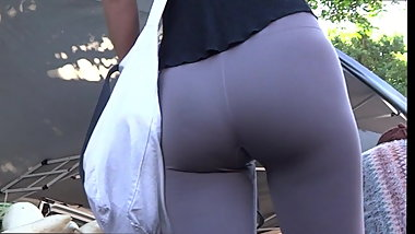 Damn milf in spandex you can see pussy