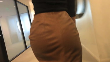 Candid athletic coworker tight ass