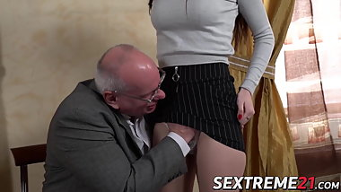 Young babe fucked and facialized by much older dude
