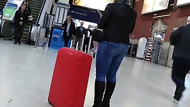 Milf Ass in Tight blue Jeans UK candid