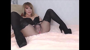 layered seamless pantyhose and stocking