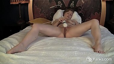 Yanks Lili Sparks And Her Hitachi