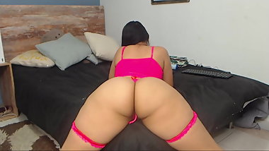 Bigbuttsapphire showing her amazing body - pink lingerie