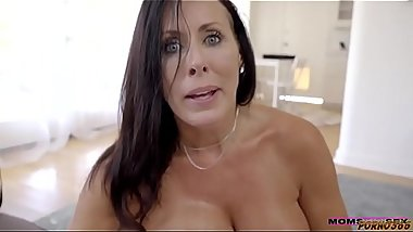 POV Drunk MILF Want to FUCK her 18yo Neighbour ( Add me on snapchat : krisrock777 )