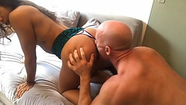 My Venezuelan Girlfriend Gets a Creampie