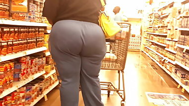African BBW thunder bOOty blue pants.